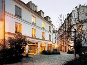 Paryż – szkoła EUR