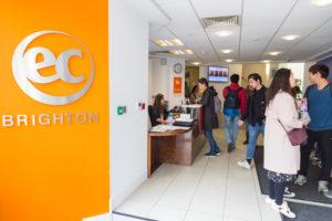 Brighton – szkoła EC centrum przy molo