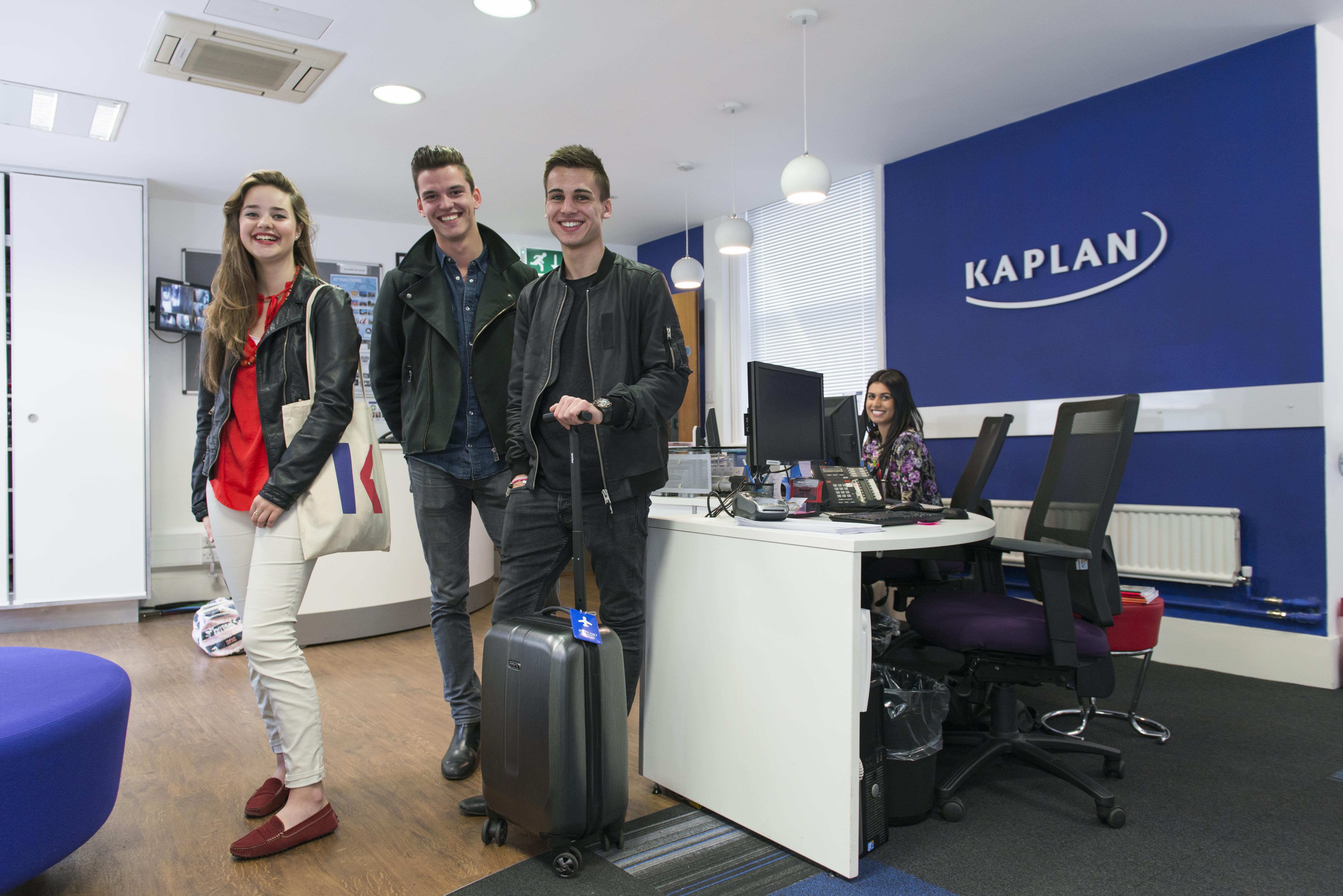 Londyn Leicester Square – szkoła Kaplan +25 (2)