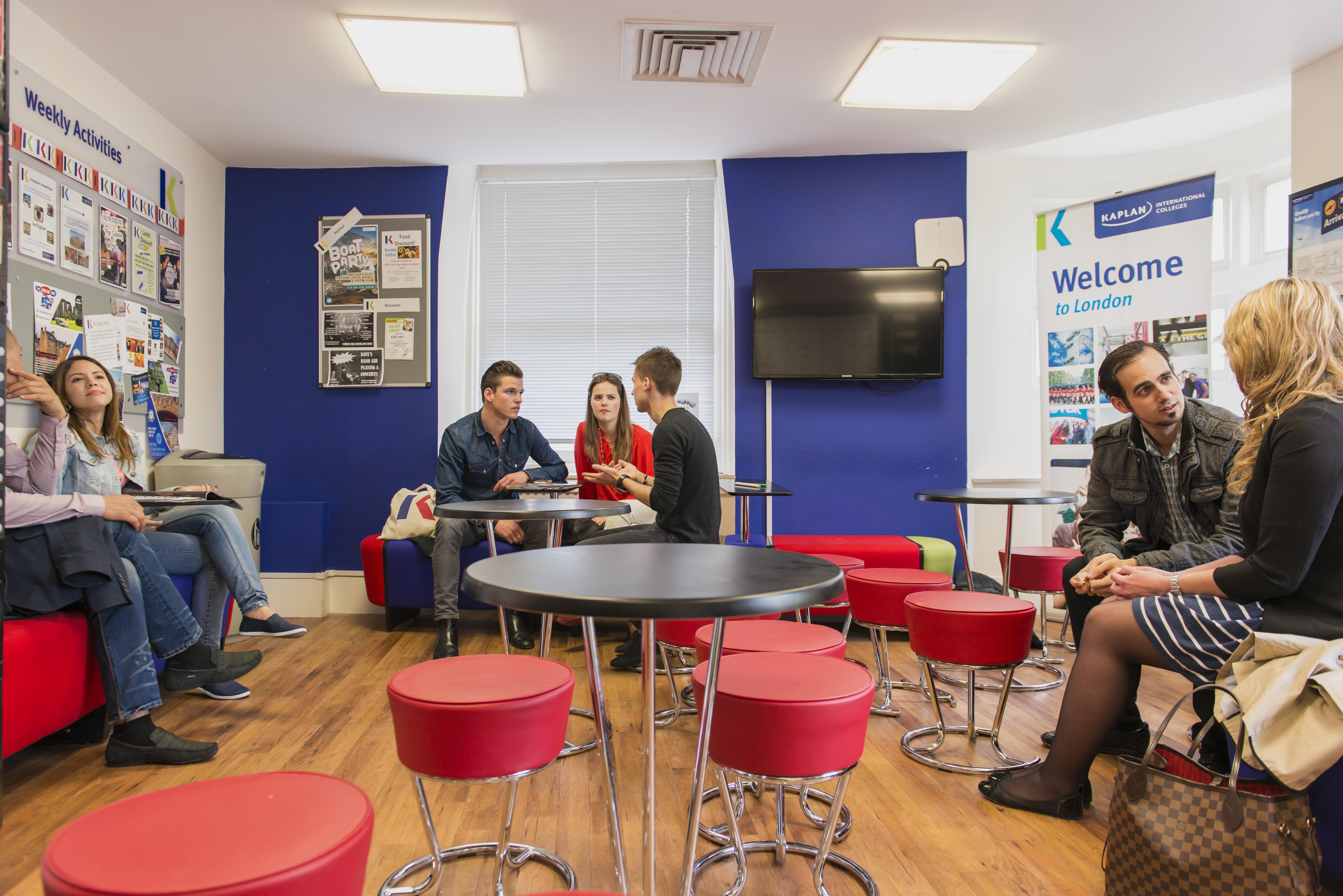 Londyn Leicester Square – szkoła Kaplan +25