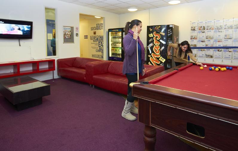 Zakwaterowanie Londyn Centrum – szkoła St. Giles (3)