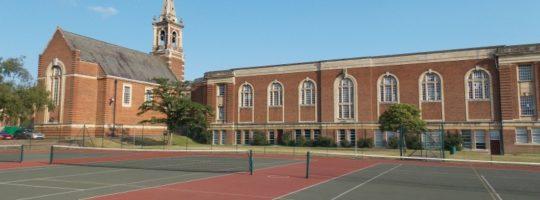 Royal Russel - wspaniały kampus pod Londynem