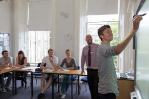 Kurs angielskiego w Szkocji – Edynburg