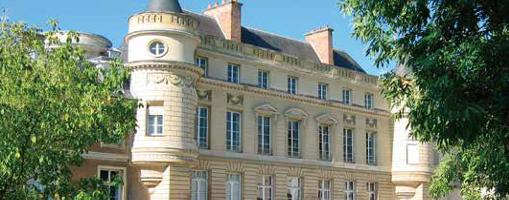 Francja - Szkoła prywatna pod Paryżem - anglojęzyczna